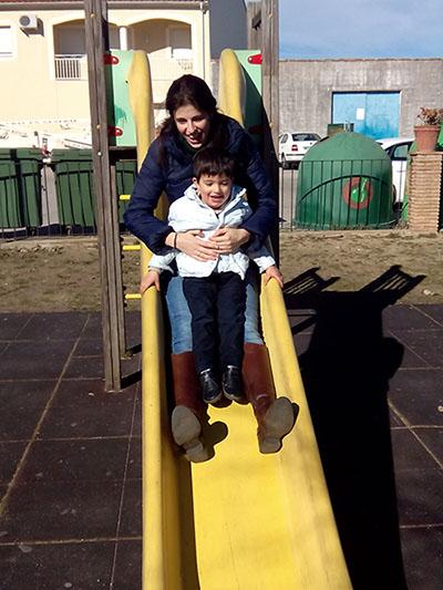 Jugando con Álvaro en el parque de Álburquerque