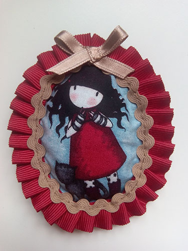 broche artesanal rojo