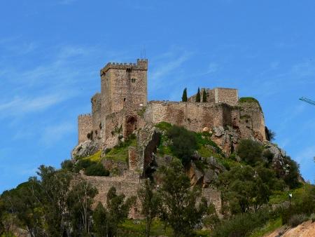 castillo de alburquerque en Extremadura