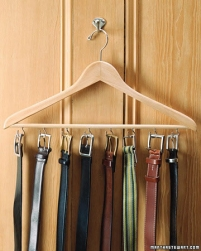 percha hecha a mano para cinturones