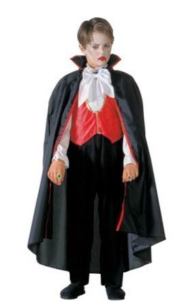 Imagen de niño disfrazado de Drácula.