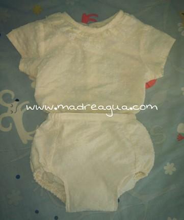Imagen de traje de bebé para bautizo