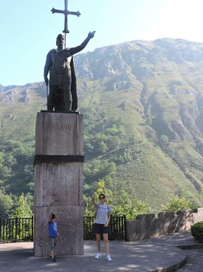 Estatua de Pelayo en Covadonga